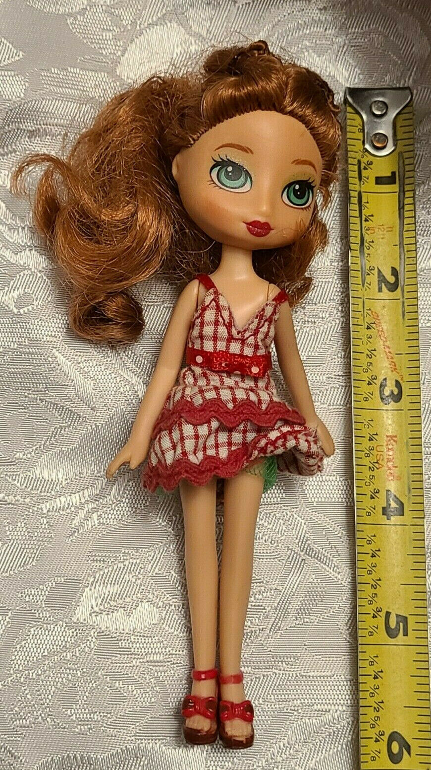 Bratz  Doll - Clothes Included as shown in Photo                    (BR8)