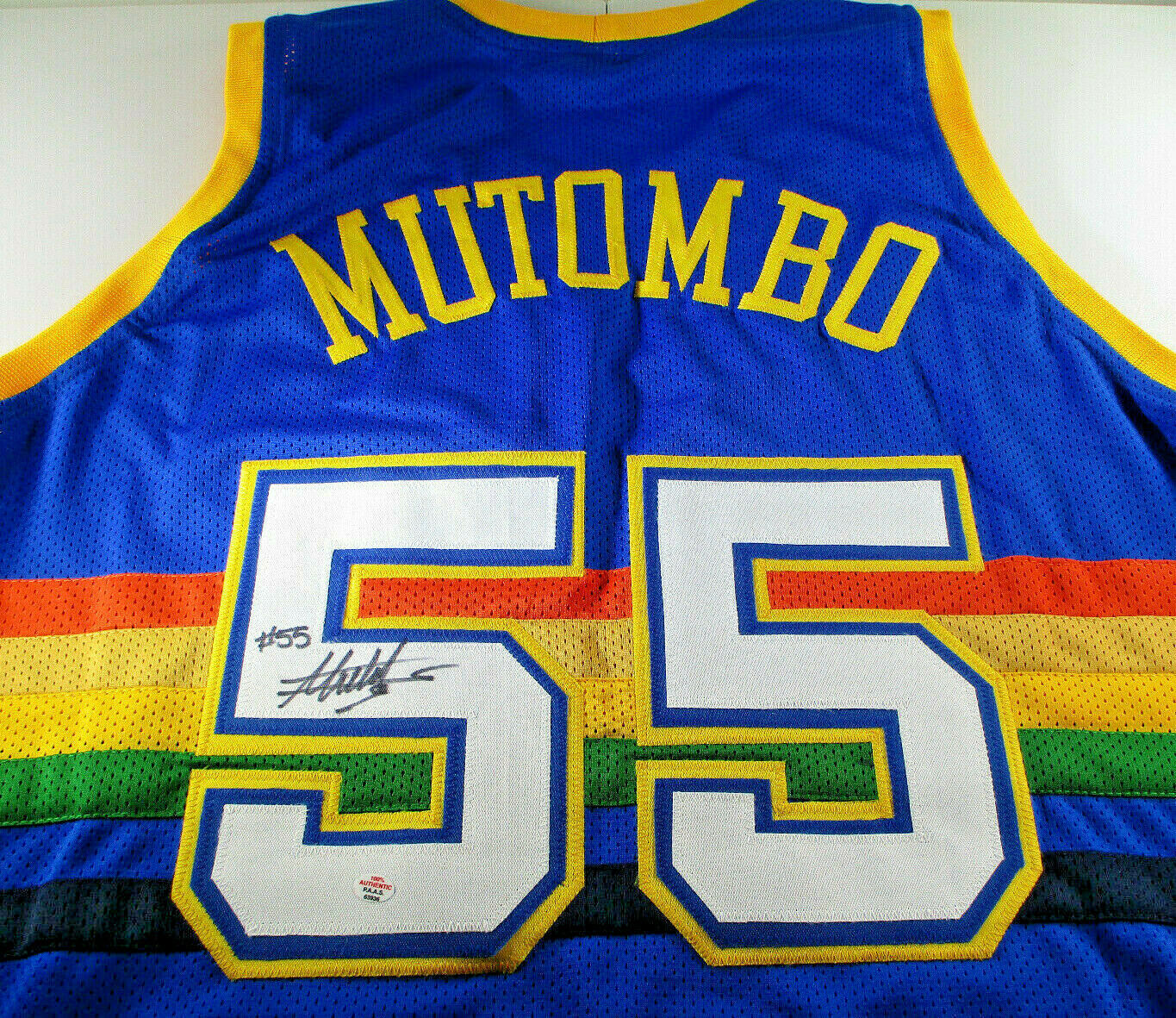 DIKEMBE MUTOMBO / HALL OF FAME / AUTOGRAPHED DENVER NUGGETS CUSTOM JERSEY / COA