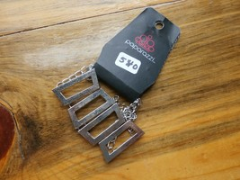 Paparazzi Bracelet(New)Silver W/ Squares 540 - $7.61