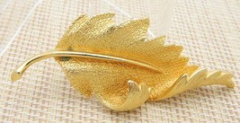 1950s Gold Tone Pegasus Coro Large Leaf Pin Brooch - $19.80