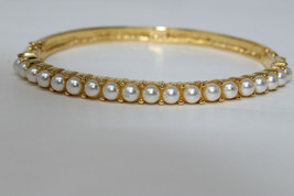 Stunning! Goldtone Signed NAPIER Pat. Pend. Faux Pearl Hinged Bracelet T3 - $25.00