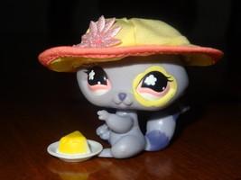 Littlest Pet Shop LPS 597 Purple Lavender Raccoon Pink Flower Hat Cake F... - $10.96
