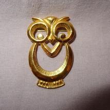 Vintage Owl Pin Brooch Metal Gold Tone Large Eyes - $14.89