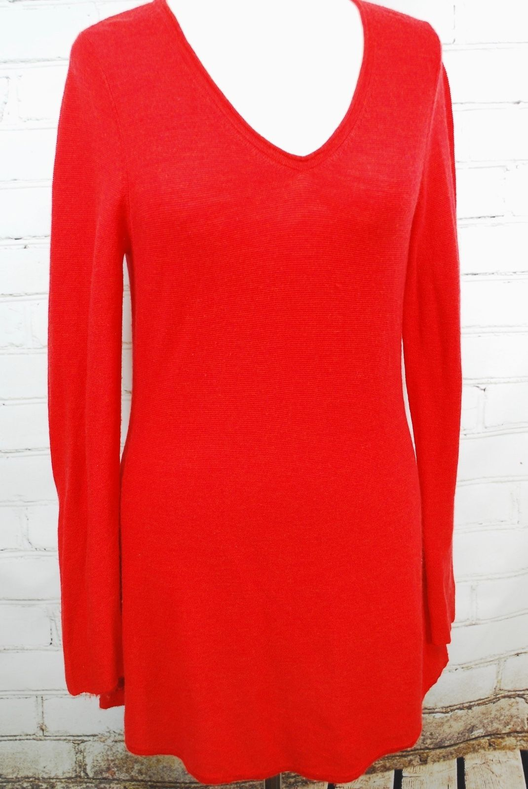 25d7fd900eb Eileen Fisher 100% Merino Wool Tunic V-Neck and 50 similar items. 57