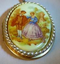 Vintage 1950s-60s Goldtone LOCKET Fragonard Courting Couple Porcelain Tr... - $35.00