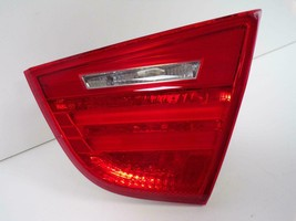 2009 2010 2011 Bmw 3-SERIES Sedan Rh Passenger Trunk Lid Tail Light Oem B29R - $53.35