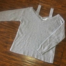 Women's Guess Britta Cold-Shoulder Knitted Gray Sweater Size Small - $23.36