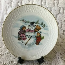 Avon A Child's Christmas 22 K Trimmed Porcelain Plate 1986 - $11.63