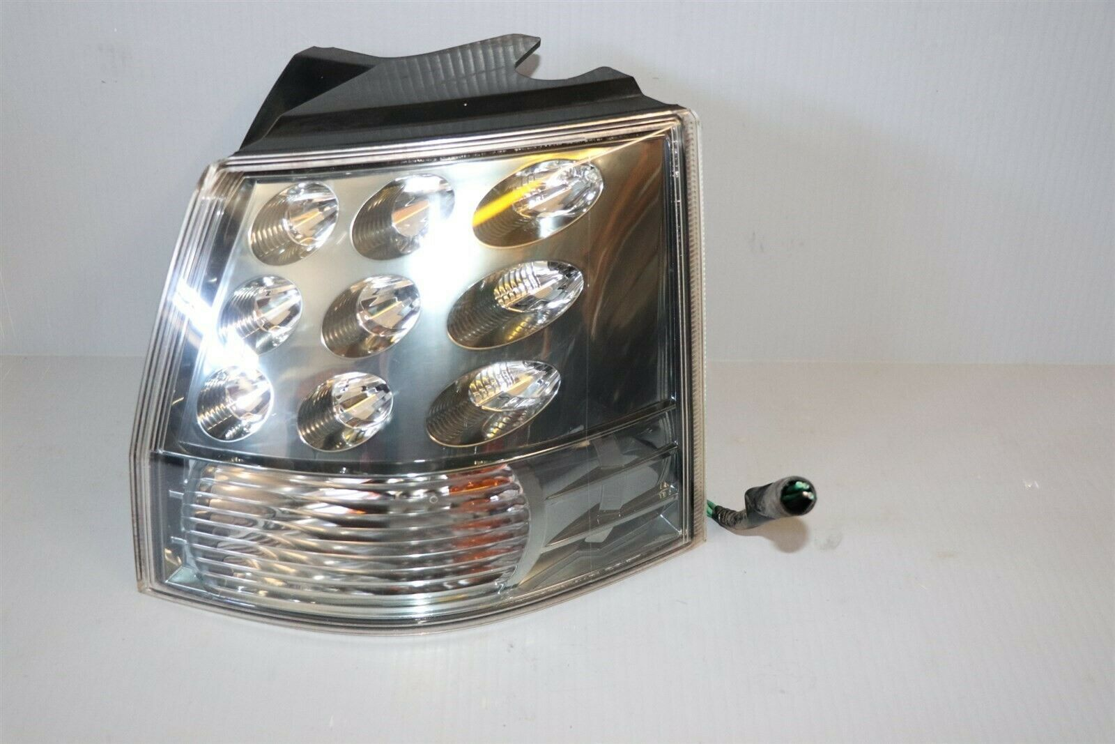 07-12 Outlander LED Outer Quarter Mount Taillight Lamp Passenger Right RH