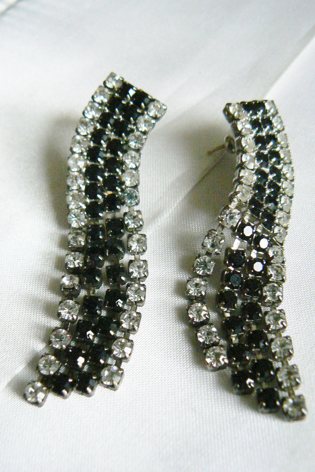 Primary image for VTG  Silver Tone Black Glass Clear Crysta Rhinestone Dangling Evening Earrings