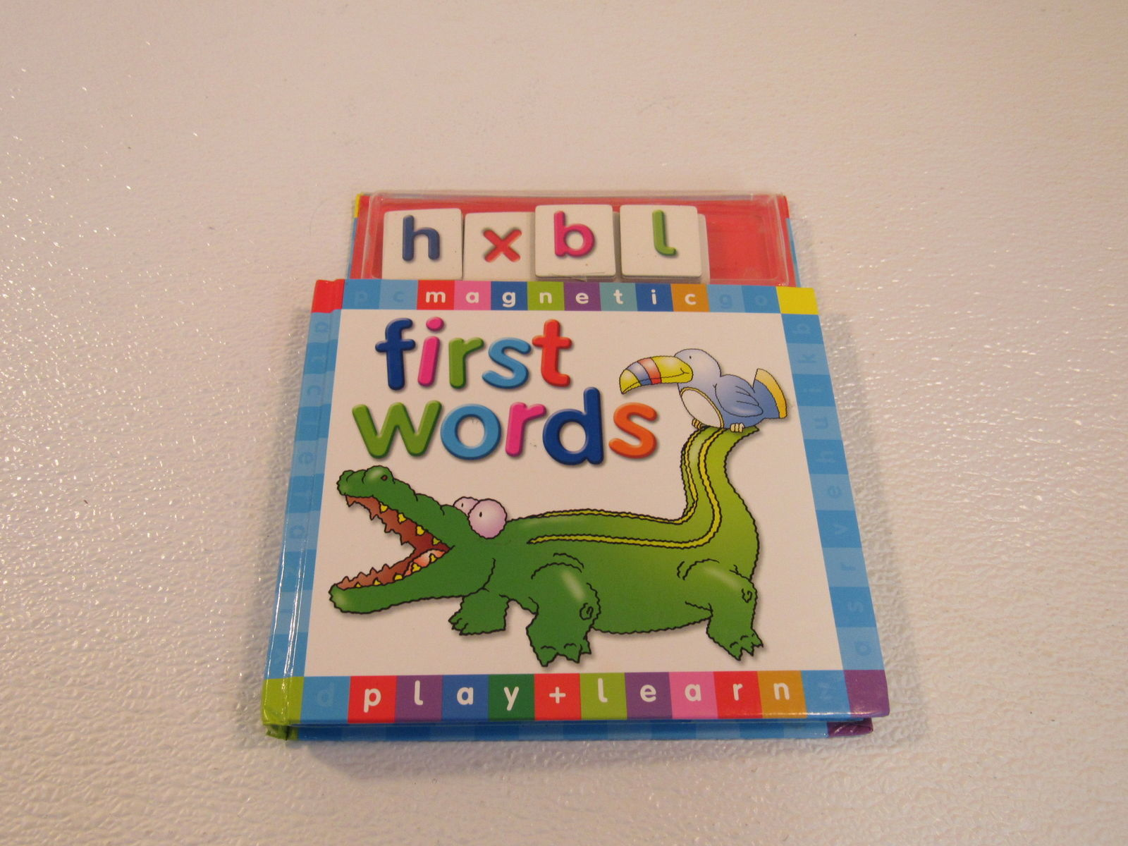 That Publishing First Words Magnetic Play & Learn Board Book