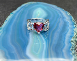 Amazing Garnet Gemstone Crystal Silver Ring Size 7 - $33.08