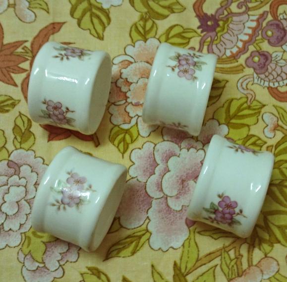 Vintage Porcelain Napkin Rings Pink & White Tableware Shabby Chic Cottage