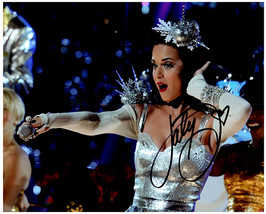 KATY PERRY Authentic Original  SIGNED AUTOGRAPHED 8X10 w/ COA 5649 - $105.00