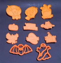 11 Vintage Halloween Cookie Cutters Plastic Wilton Pillsbury Ghost Bat Witch Cat - $9.99