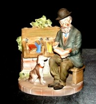 Figurine Man Reading a book as Dog Watches 2432  AA19-1538 Vintage