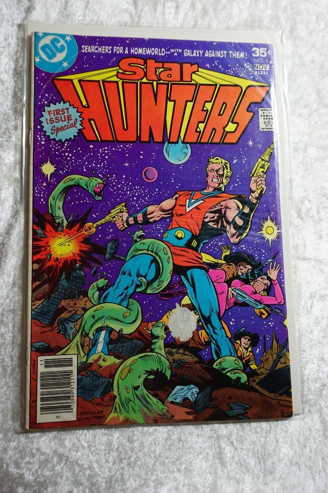 Star Hunters #1, Vintage DC Comics, Bronze DC, Vintage Graphics, Comic Book