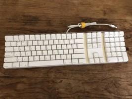 Apple A1048 USB Wired Keyboard w/ 2 USB Ports Clear White Genuine OEM WO... - €30,53 EUR