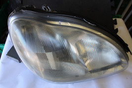 2000-2006 MERCEDES W220 S500 S430 RIGHT HALOGEN HEAD LIGHT LAMP V695 - $197.01