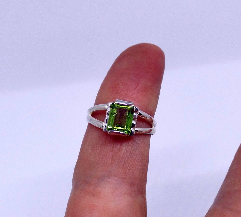 925 Sterling Silver Natural Fine Quality Peridot Gemstone Handmade Artistic Desi