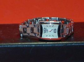 Pre-Owned Women's Lorus Y120 X021 Analog Dress Watch - $12.87
