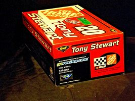 Revell #20 Tony Stewart Collector's ClubAA19-NC8073 Adult Collectible in box image 3