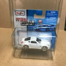 Grey 2009 Nissan 370Z Fresh Metal NIB Maisto  Diecast Car BA - $9.41