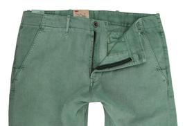 NEW NWT LEVI'S STRAUSS MEN'S ORIGINAL RELAXED FIT CHINO PANTS GREEN 556880005 image 4