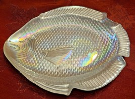 "Vintage Cream Opalescent Iridescent Glass Fish Candy Trinket Dish 6-3/8"" x 5"""