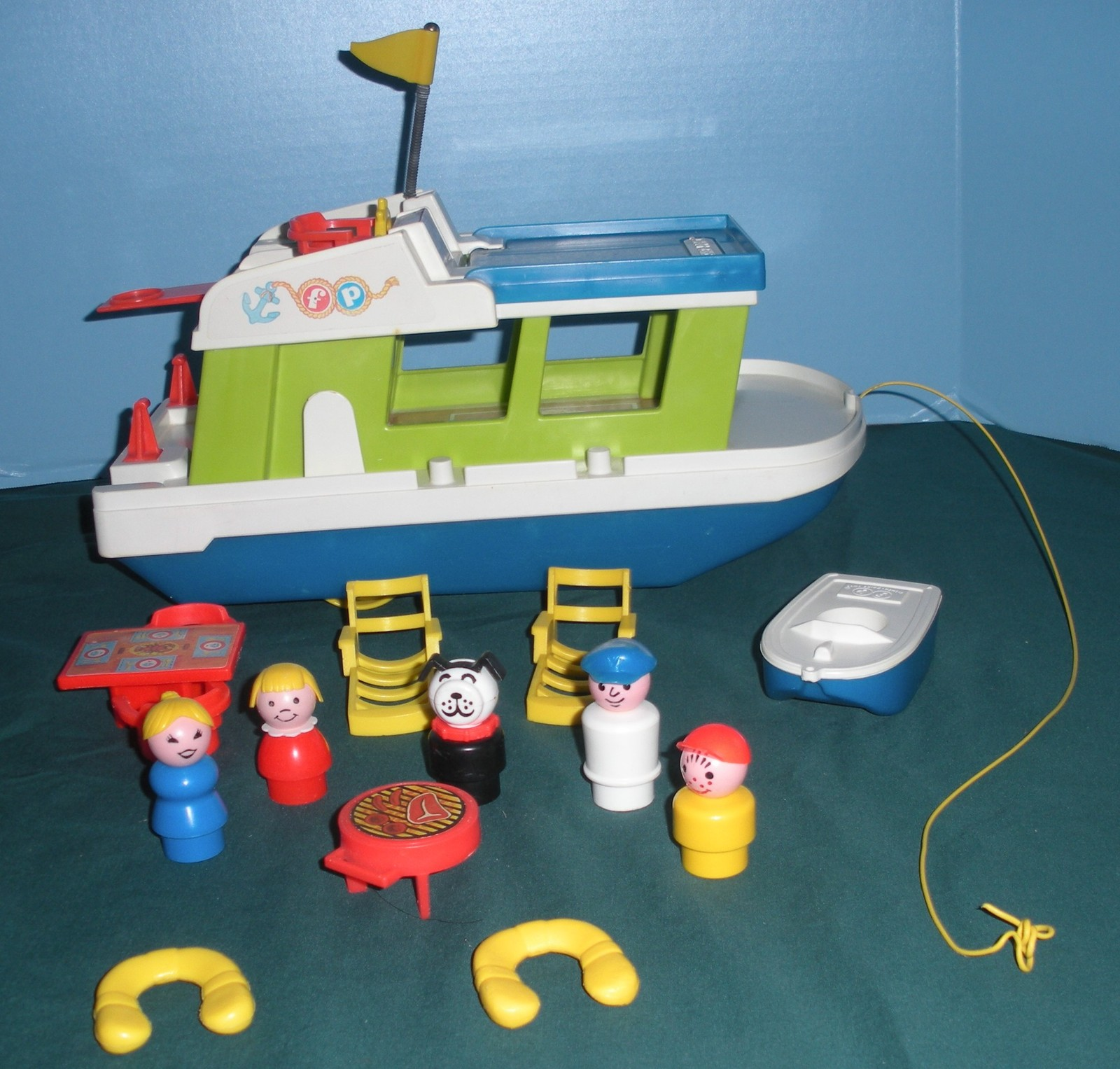 Vintage Fisher Price #985 Play Family Houseboat Complete/NEAR MINT! (M)