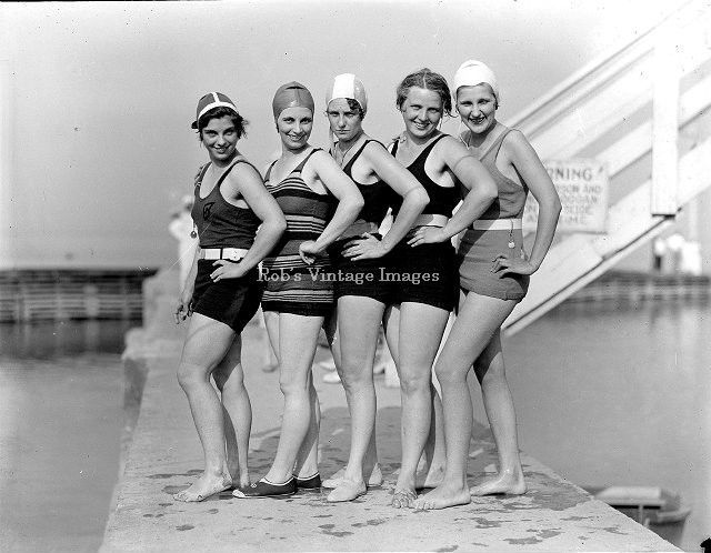 2f7e6e5626bf8 Flapper Women Girls Swimsuits Photo late 1929 Flappers Jazz Prohibition