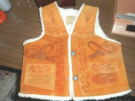 VINTAGE HECHO EN MEXICO SHERPA VEST WITH BURNT IN HORSE AND SOMBRERO HAT... - $39.59
