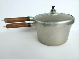 Steamliner Pressure Saucepan 4 QT Pot and Lid Rattling Cap Aluminium Vin... - $40.00