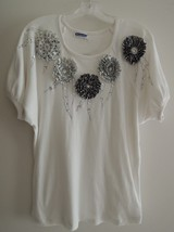 Ladies Top Size L - Sewn on Flowers Jewels + Sequins - S/S Fancy T Shirt - $9.89