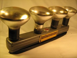 KODAK 4 Lamp Movie Light MODEL 1 with 3 lamps [X1] - $22.33