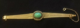 Vintage Gold Tone Mesh and Green Cabochon Bracelet With Safety Chain - E... - $26.94