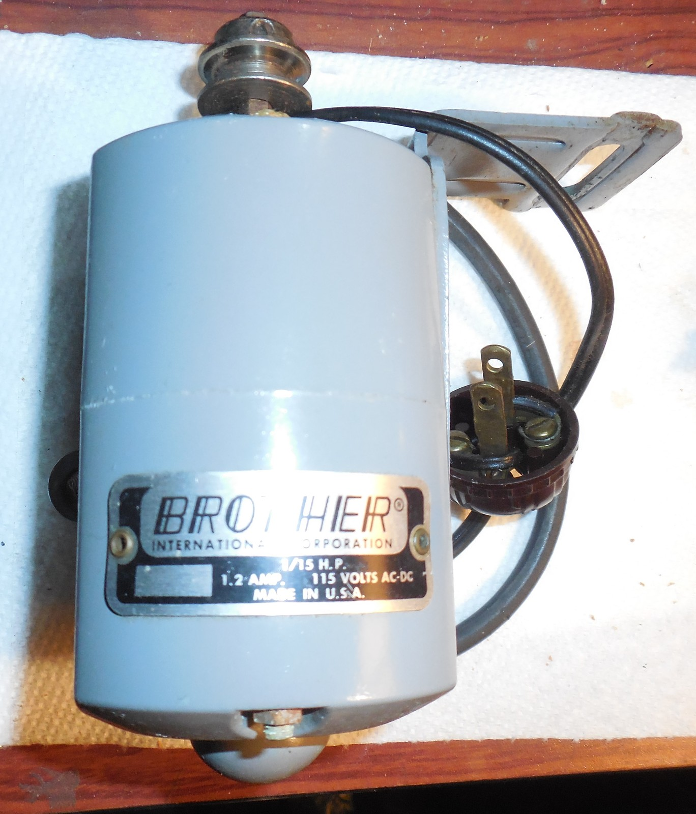 Primary image for Brother FlairMatic HZ5-B1 Model 130 1.2 Amp Motor On Mount w/Belt & Wired Plug