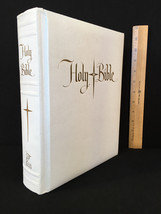 Giant 1971 New American Bible White Padded Imit. Leather Good Counsel Ho... - $19.75