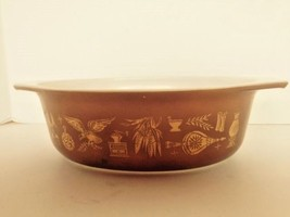 Brown Pyrex Early American pattern 1 1/2 quart casserole dish (no lid) - $7.69