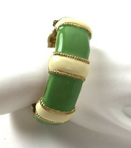 "Mod Vtg Green Enamel Hinged Bangle Clamper Bracelet 7/8"" Wide safety chain - $29.69"