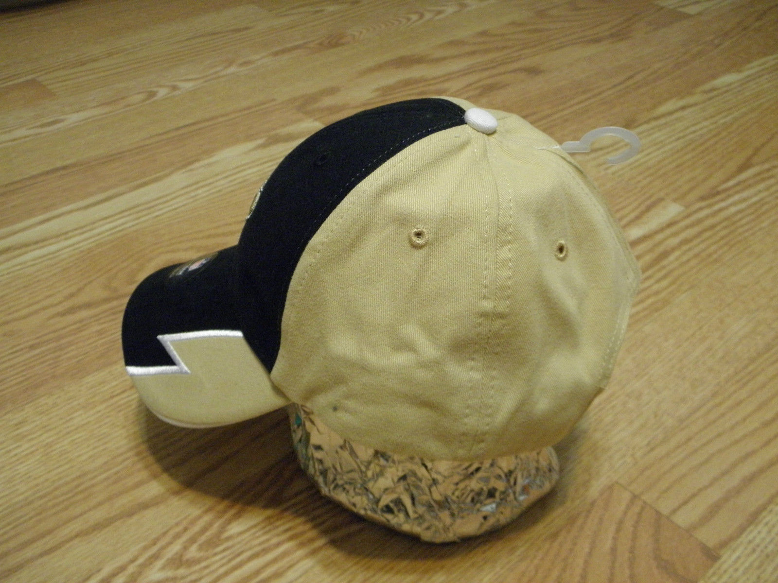 NEW ORLEANS SAINTS NFL APPAREL YOUTH BLACK & GOLD CAP W/ADJUSTABLE STRAP, NWT image 2