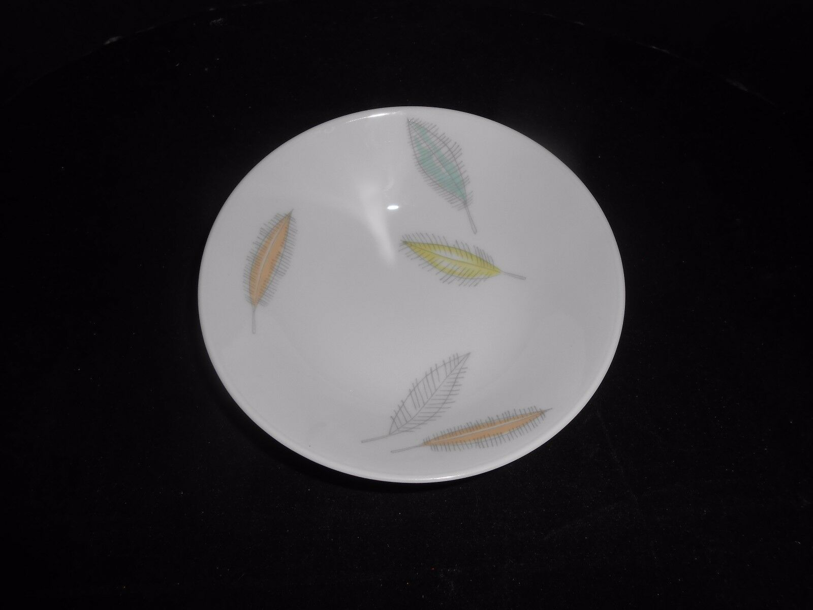 Primary image for Rosenthal China Loewy Bunte Blatte Colored Leaves Berry Dessert Bowl(s) 1950's