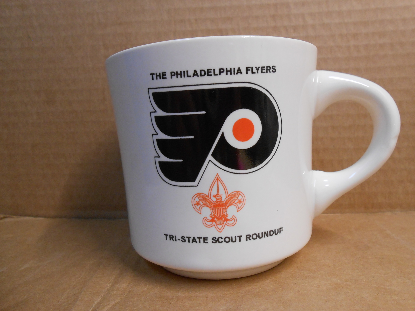 Primary image for THE PHILADELPHIA FLYERS TRI-STATE ROUNDUP CERAMIC MUG B.S.A. NEW MINT SM10