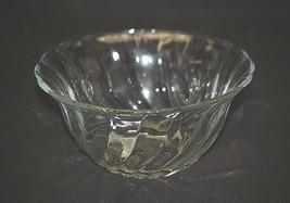 Vintage Victoria by Anchor Hocking Swirl Optic Serving Bowl w Scalloped ... - $14.84