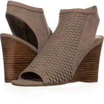 Steve Madden Winny Wedge Sandals 728, Grey, 7.5 US - ₹2,046.42 INR