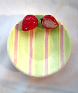 Yankee Candle Strawberry Tea Light Candle Tray Plate - $12.99