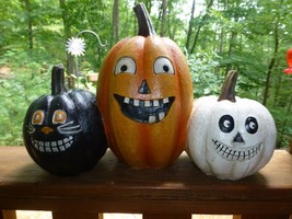 3 Whimsical Jack O Lanterns Pumpkins Halloween Prop Funny Faces Resin New - £26.08 GBP
