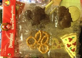 Disney Park Mickey Mouse Snacks Vinyl Magnet Set of 4 NEW - €17,48 EUR
