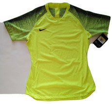 NIke Women's Vaporknit Lightweight Breathable Quick Drying Technical Top... - $24.75