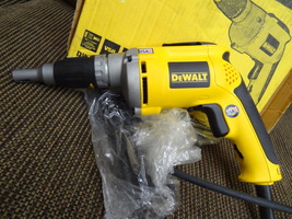 DEWALT  DW272  DRYWALL  CORDED DRILL   NEW NEW NEW N THE BOX  CLEAN  NICE  - $65.99